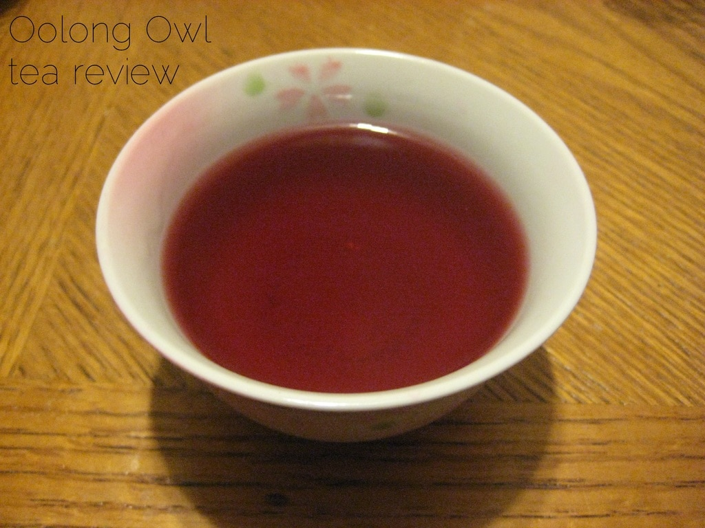 Lady Hannah from NMteaCo - Oolong Owl Tea Review (1)