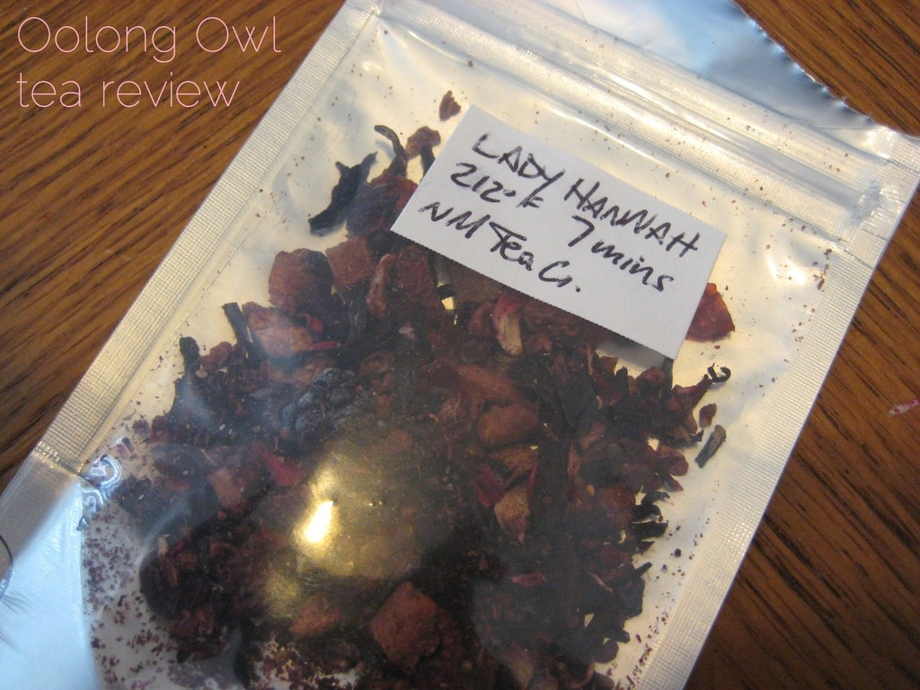 Lady Hannah from NMteaCo - Oolong Owl Tea Review (6)