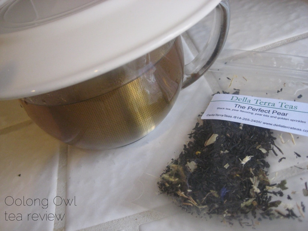 The Perfect Pear from Della Terra Teas - Oolong Owl tea review (5)