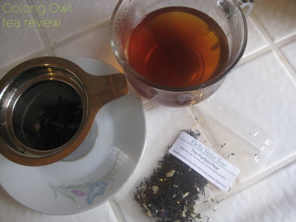 The Perfect Pear from Della Terra Teas - Oolong Owl tea review (6)
