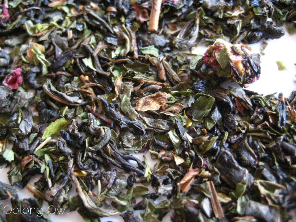 Raspberry Vanilla Mint Green tea from Simple Loose Leaf - Oolong Owl Tea review (3)