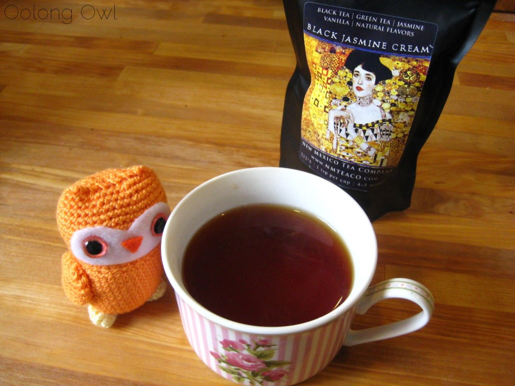 black jasmine cream tea  from new mexico tea company - oolong owl tea review (4)
