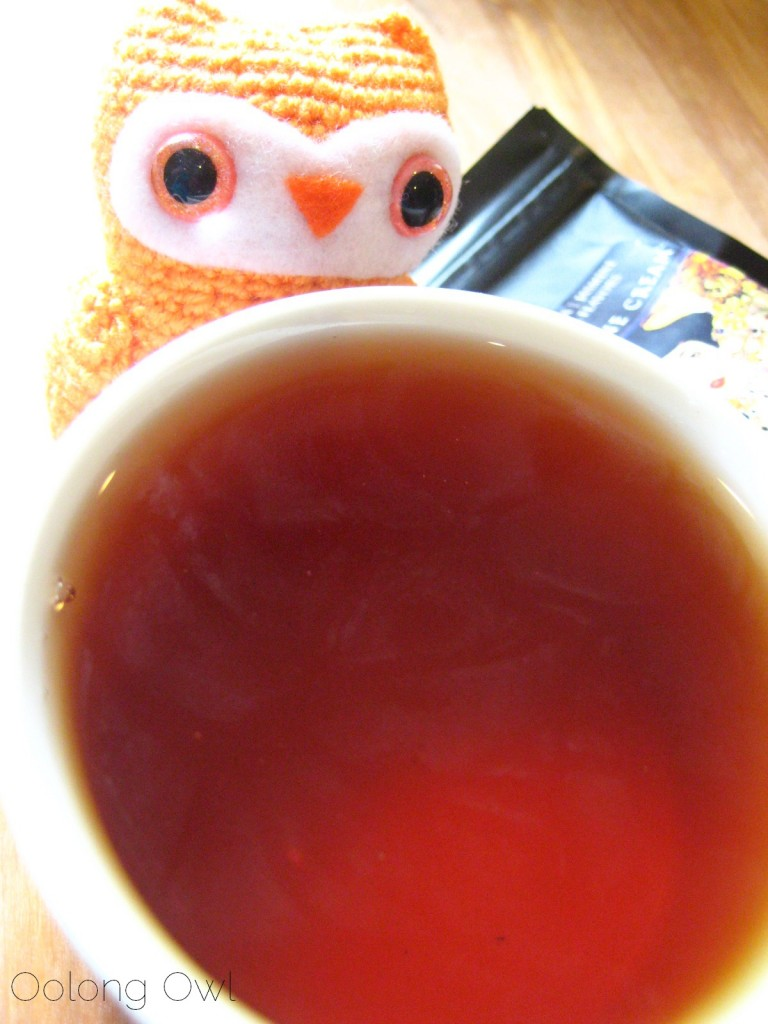 black jasmine cream tea  from new mexico tea company - oolong owl tea review (6)