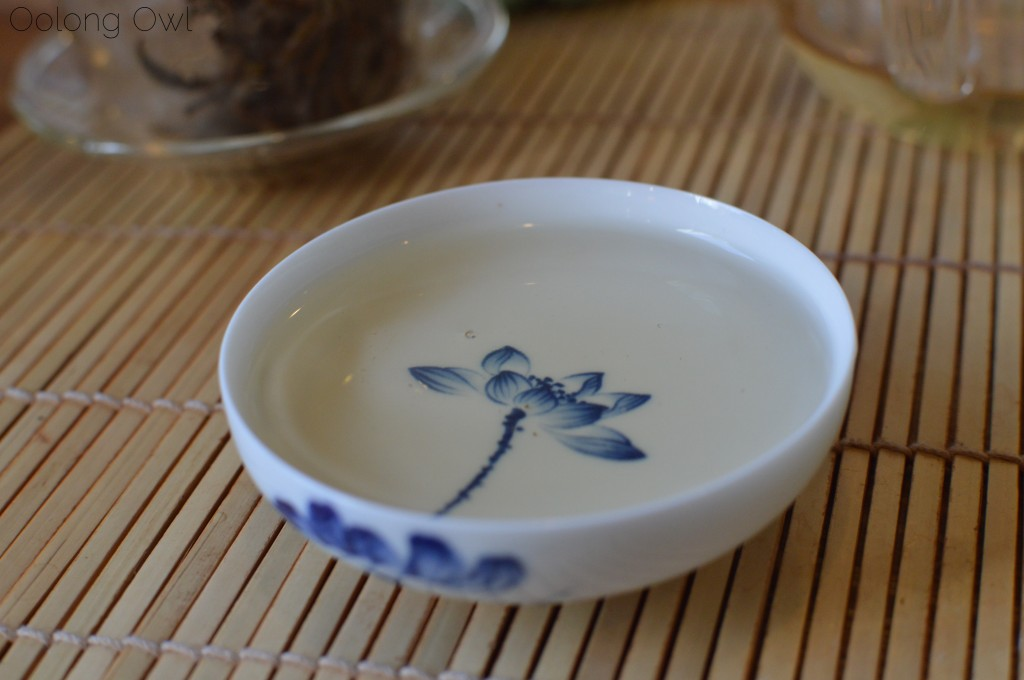 Moonlight white from jingmai puer from bana tea company - oolong owl tea review (10)