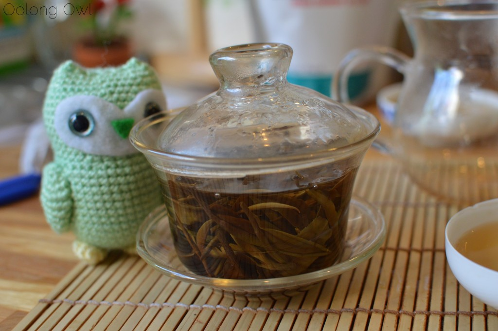 Moonlight white from jingmai puer from bana tea company - oolong owl tea review (15)