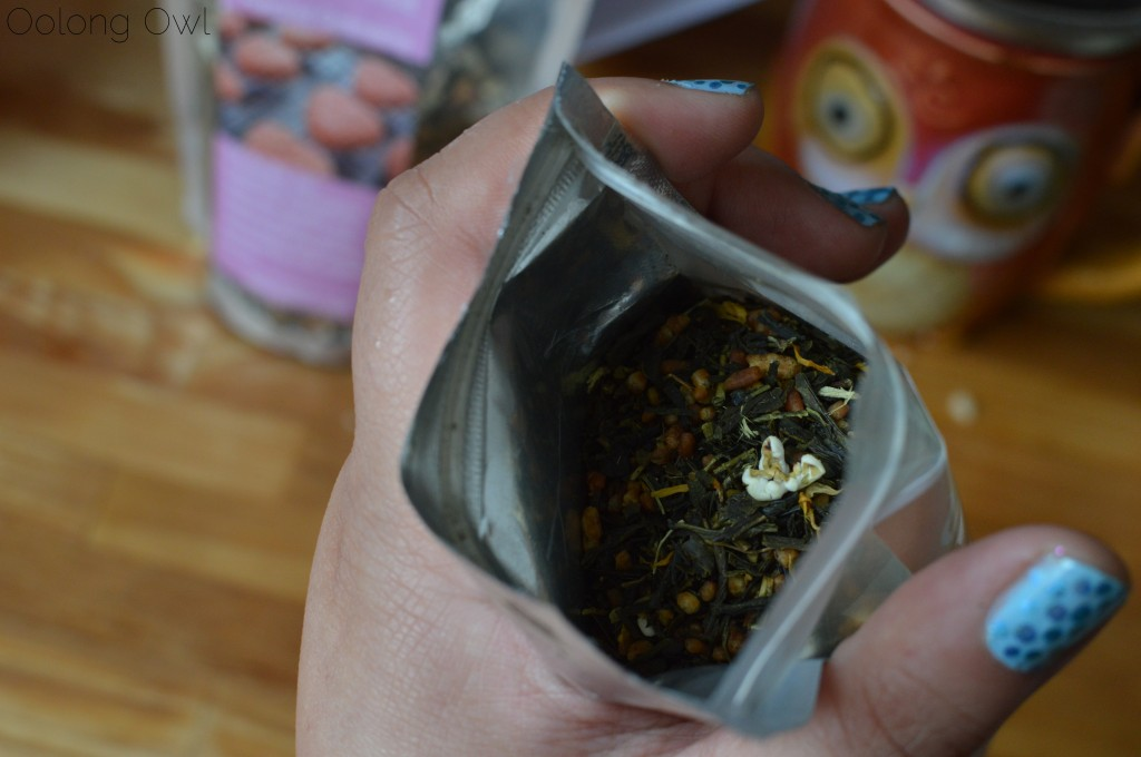 marshmallow treat genmaicha from 52 teas - oolong owl tea review (4)