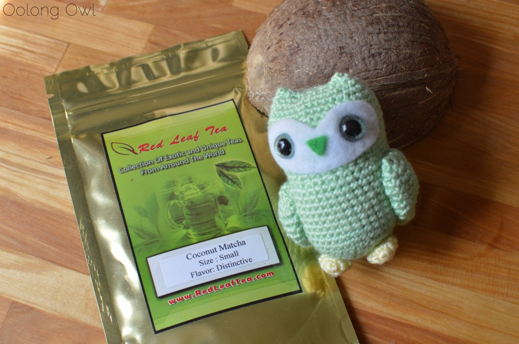 Coconut matcha from red leaf tea - oolong owl tea review (1)