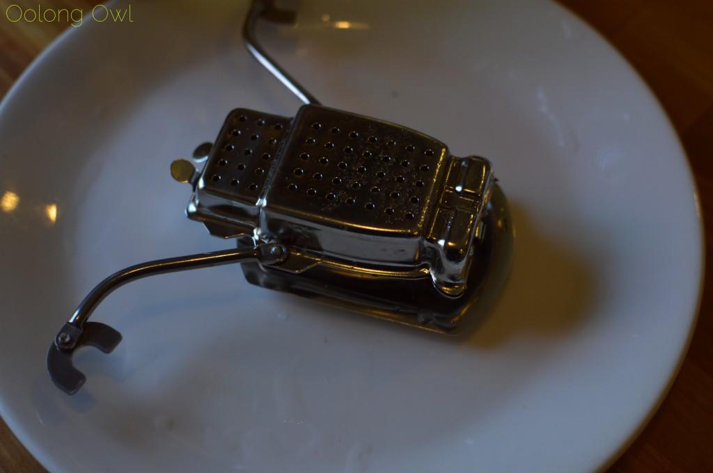 kikkerland robot tea infuser - oolong owl (13)