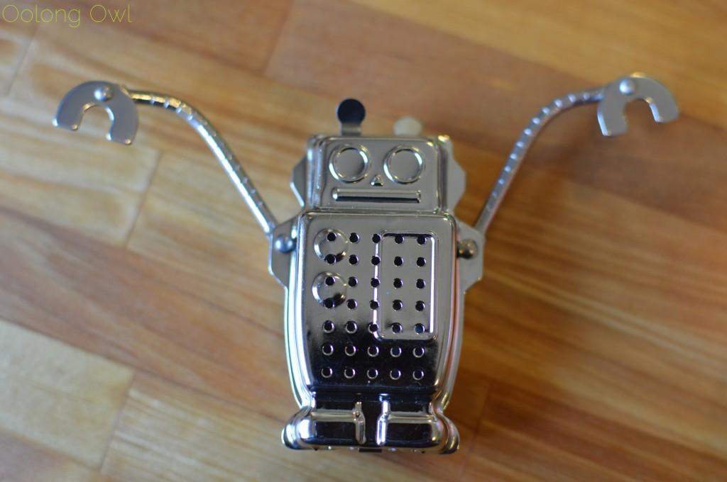 kikkerland robot tea infuser - oolong owl (6)