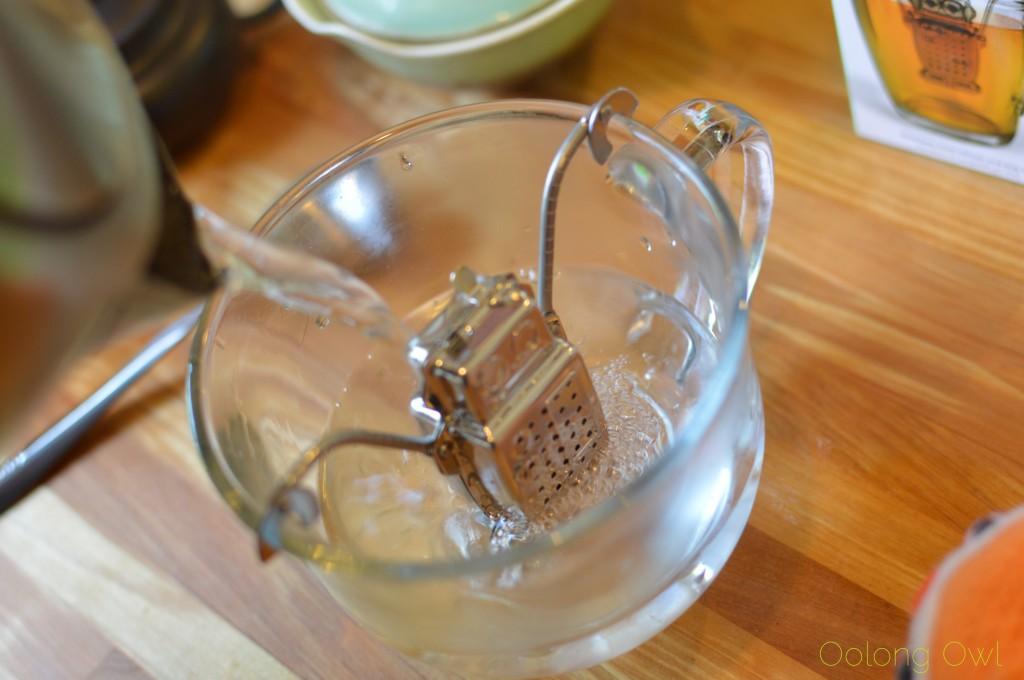 kikkerland robot tea infuser - oolong owl (9)