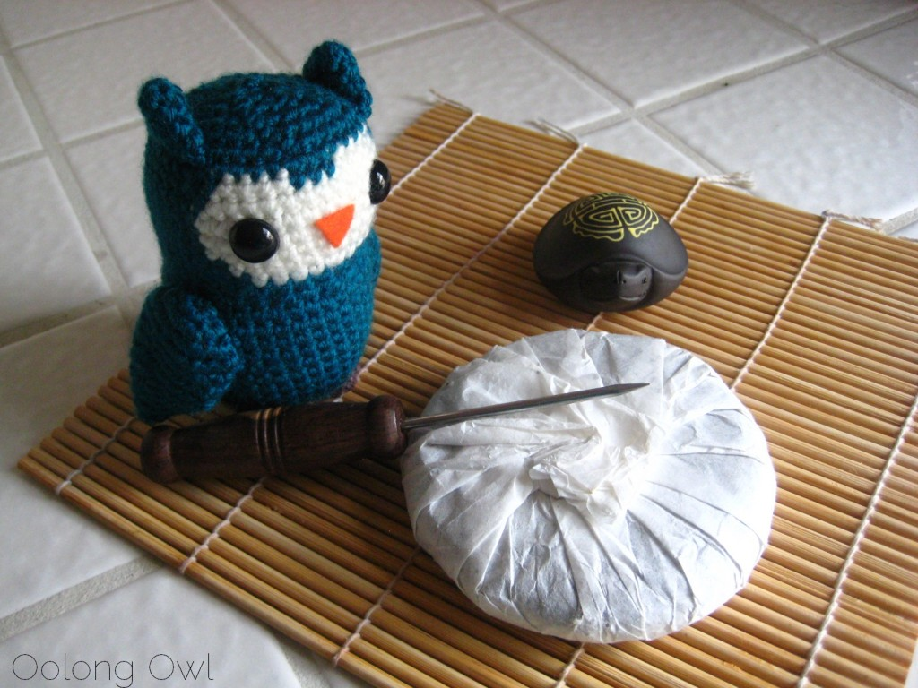 Mandala Tea Silver Buds Raw Puer 2012 - Oolong Owl Tea Review (1)
