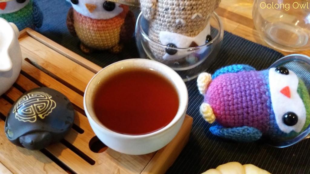 2010 Haiwan Peerless Ripe puer - oolong owl tea review (8)