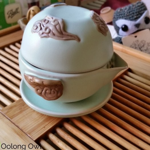 Gaiwan and Tea pet June 2015 - Oolong Owl (16)