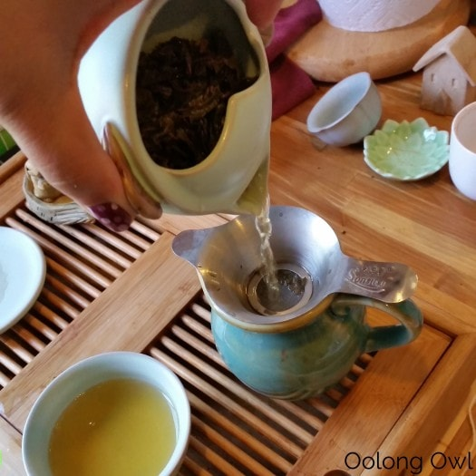 Gaiwan and Tea pet June 2015 - Oolong Owl (18)