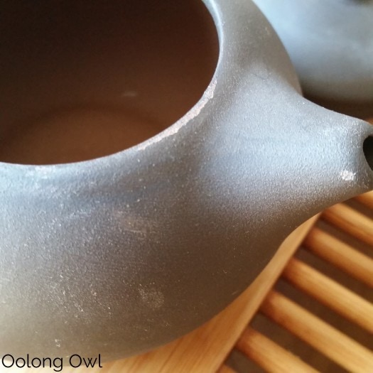 5 dollar yixing tea pot fail - Oolong Owl  (3)