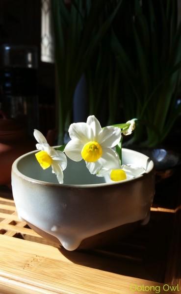 Sunday Tea hoots 13 - tea table flowers (3)