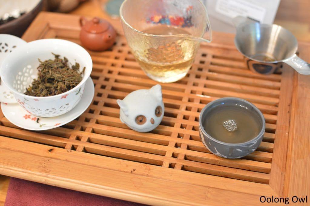 2012-nannuo-denong-tea-oolong-owl-5