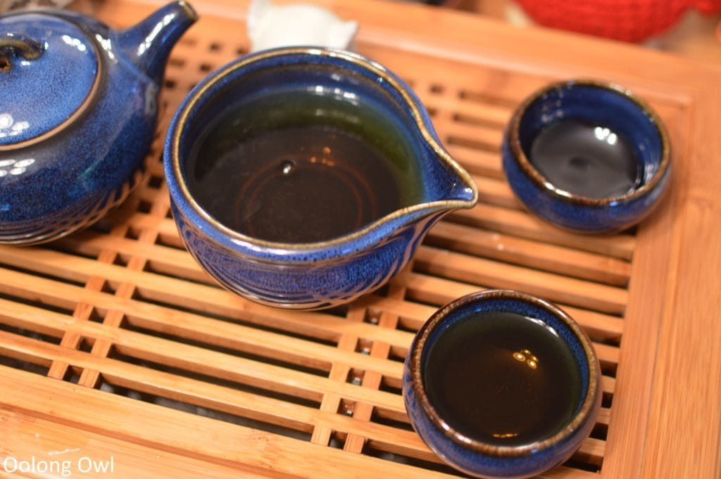 going-gongfu-set-the-tea-spot-oolong-owl-12