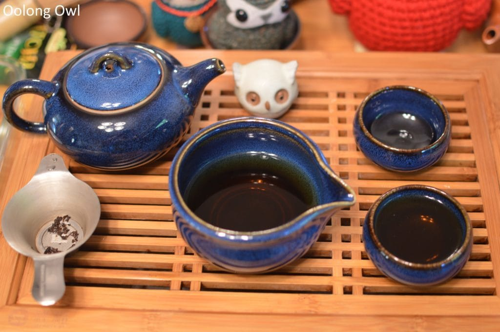 going-gongfu-set-the-tea-spot-oolong-owl-9