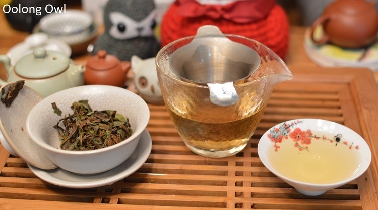 Red Peony - Floating Leaves Tea - Oolong owl (5)