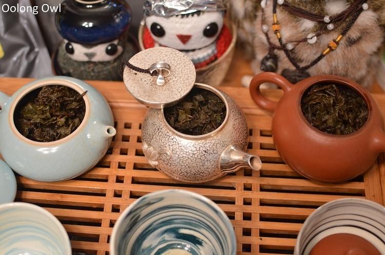 Silver teapot - Oolong Owl (4)