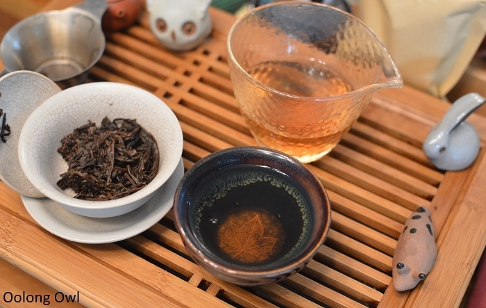 march 2017 white2tea club heicha qingbing oolong owl (13)