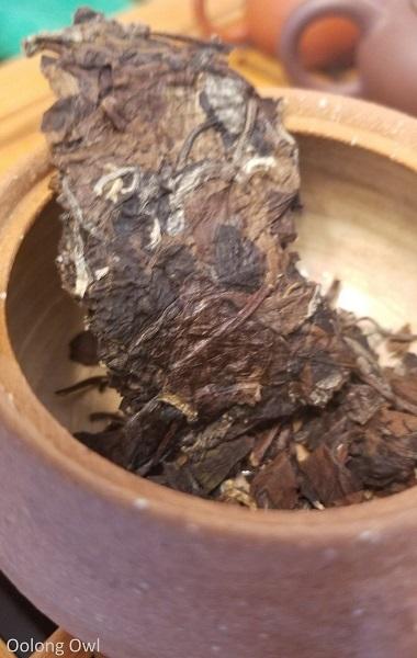 2012 shou mei white tea teavivre - oolong owl (2)