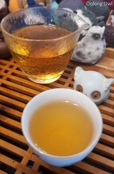 2012 shou mei white tea teavivre - oolong owl (4)