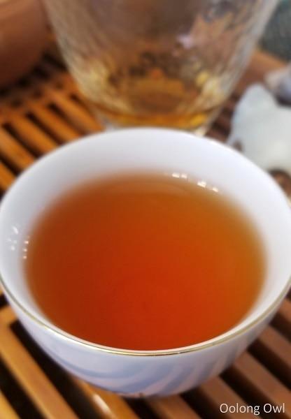 2012 shou mei white tea teavivre - oolong owl (5)